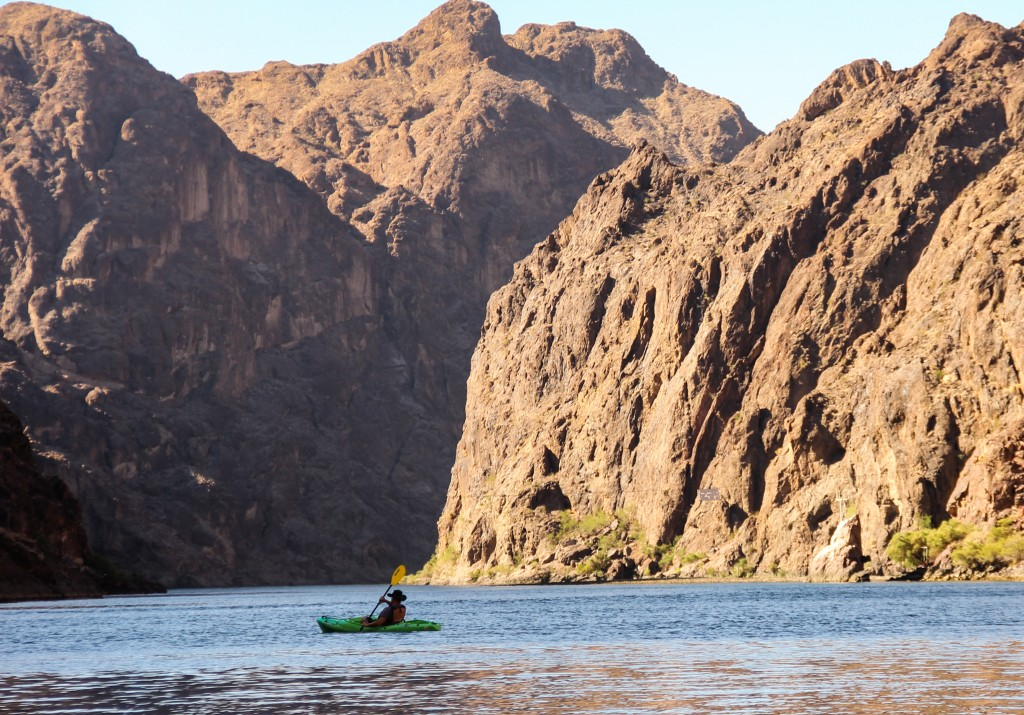 Kayaking Lake Mojave Nevada