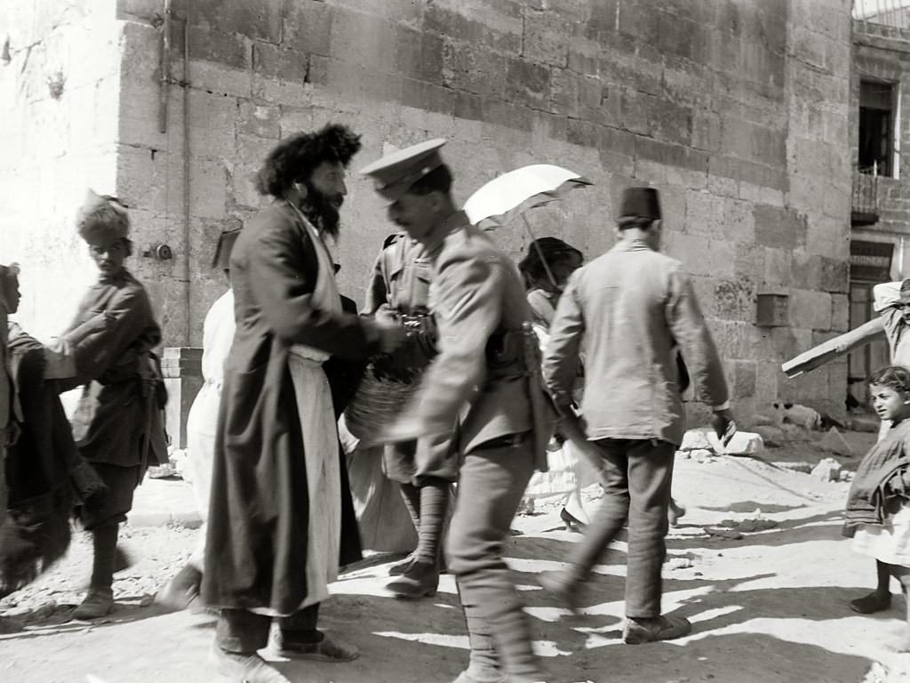 Riot,_April_8,_1920,_mat04716sr